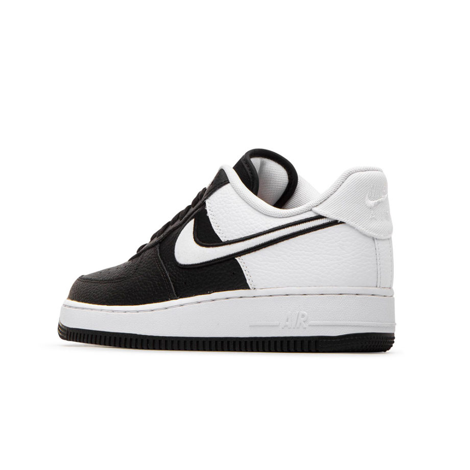 Nike Air Force 1 07 LV8 1 Sneakers Black / White