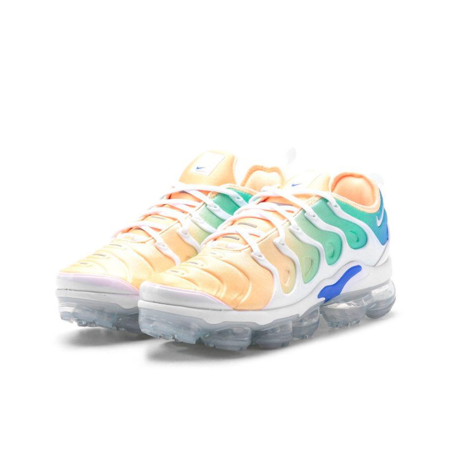 Nike W Air Vapormax Plus Woman Sneakers White Light Menta